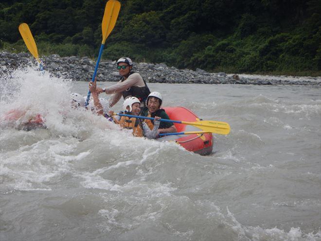 富士川 ラフティング 激流