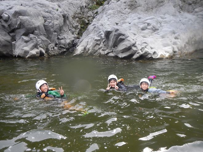 川遊び 富士川 家族