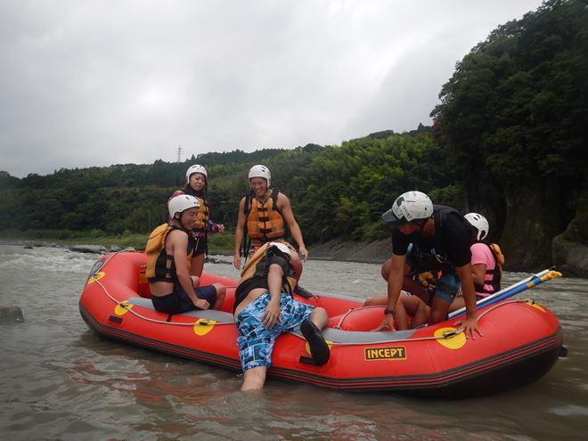 ラフティング 楽しい 川遊び