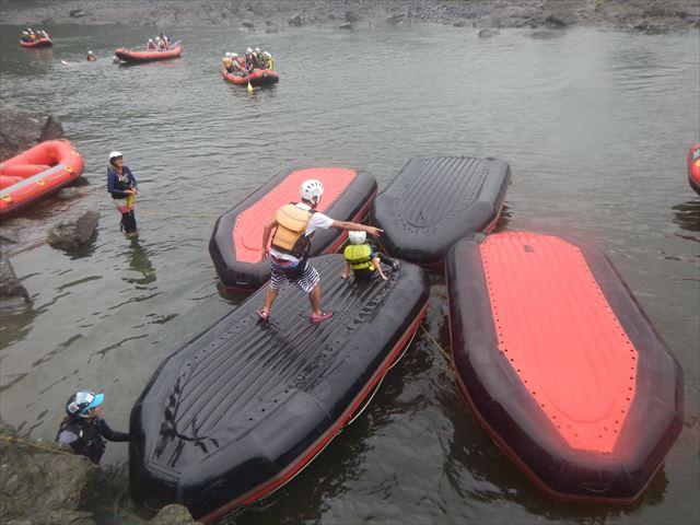 ボート遊び ジャンプ