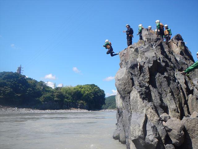 富士川 飛び込み