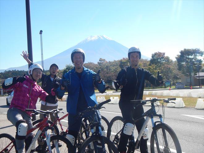 富士山で初冠雪 マウンテンバイク