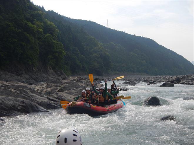 静岡ラフティング 急流体験 教育旅行