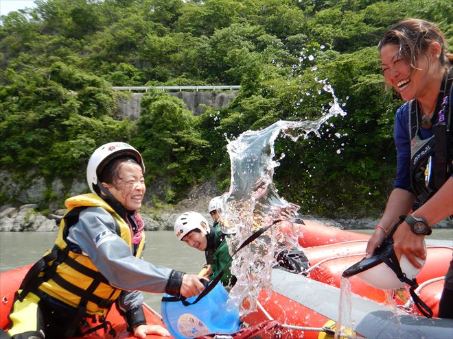 水かけ ラフティング遊び 富士