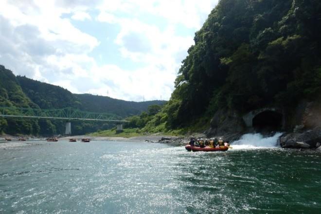 ラフティング 静岡 川遊び