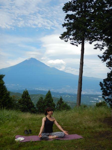 富士山 ヨガ 自然