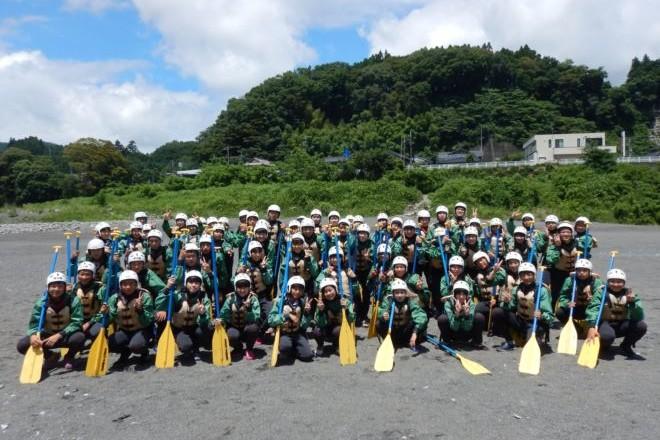 静岡教育旅行 生徒 記念撮影