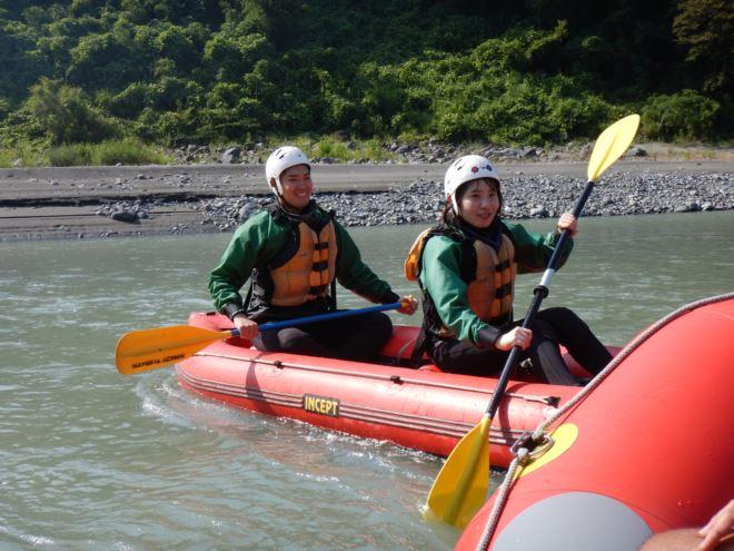 ダッキー 川遊び ボート