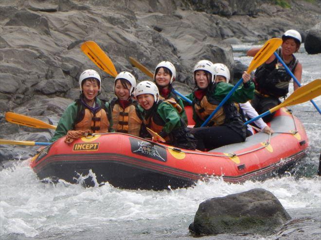 大人も子供もラフティング 半日富士川 ラフティング富士川下り
