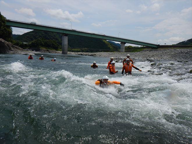 静岡 水難救助 訓練