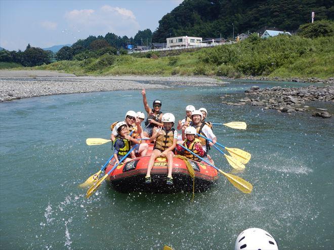 静岡観光ラフティング 川からの景色 富士川風景