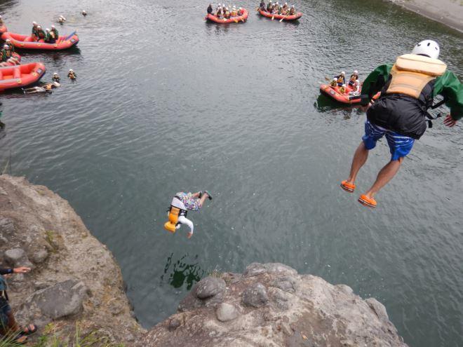 アウトドア 川遊び おもしろい