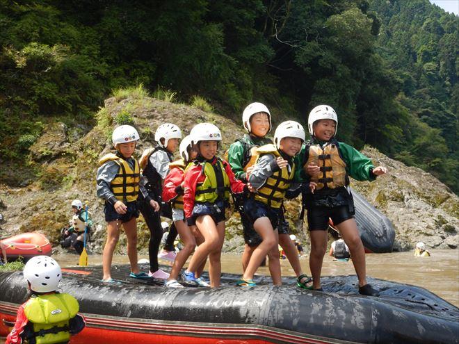 富士川ラフティング 静岡キッズラフティング 地元の子ども