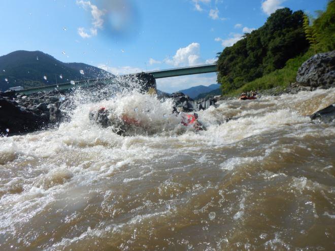 激流 ラフティング 富士川