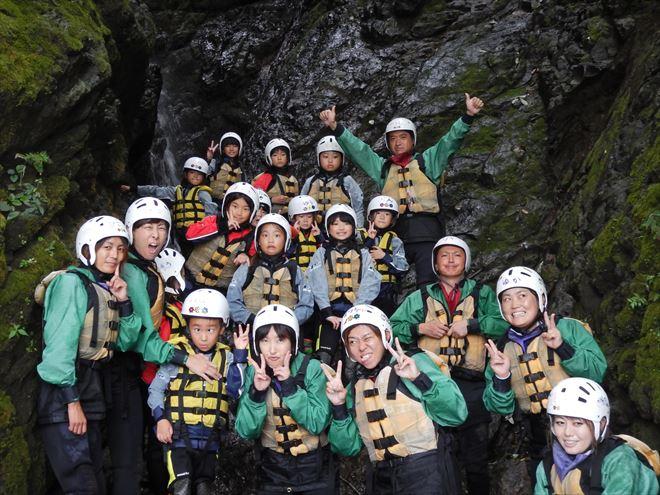 富士川滝 静岡観光 子どもラフティング
