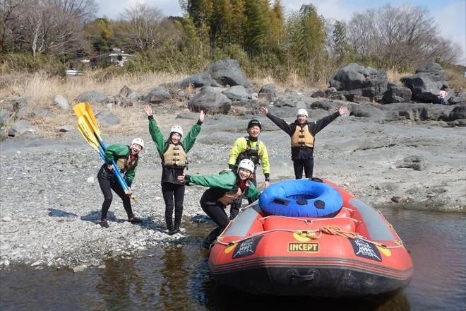 春のラフティング 富士川