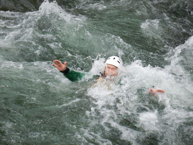 静岡急流スイム 川を泳ぐ