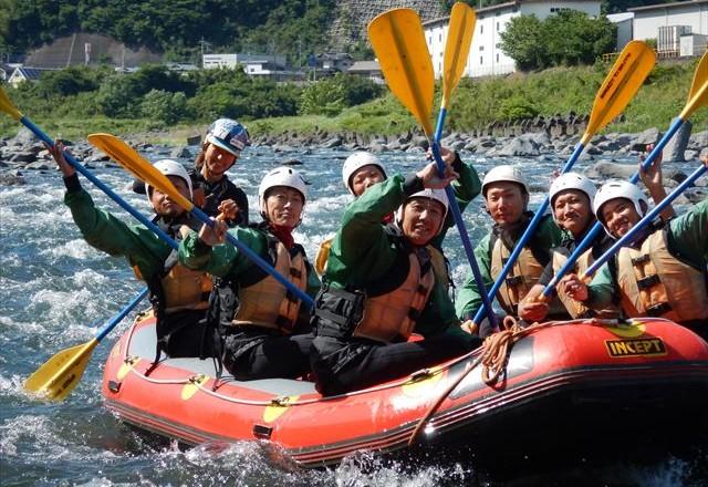 静岡半日遊び 富士川ラフティング