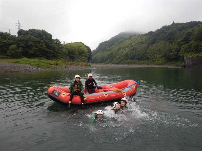 川で泳ぐ 夏のおすすめ