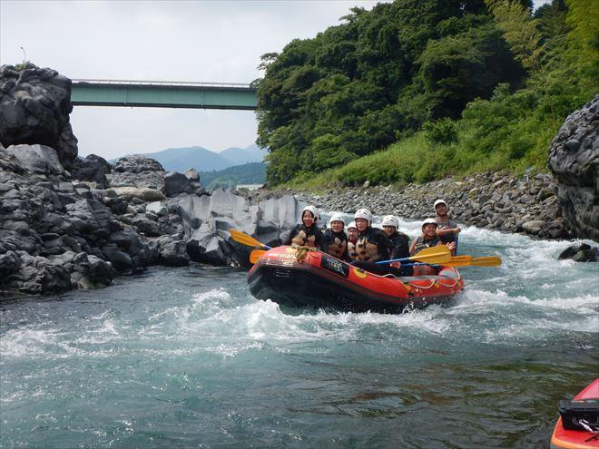 静岡 富士川でラフティング
