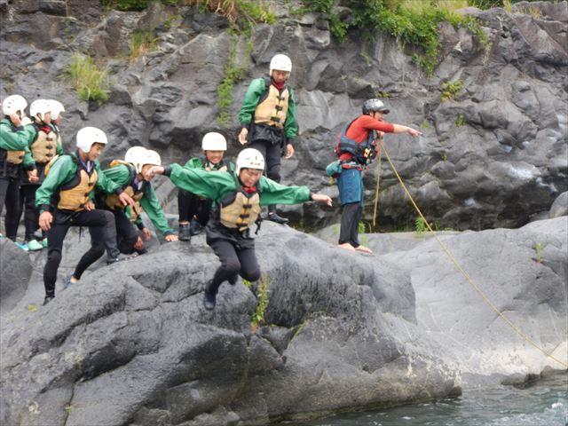 自然体験ジャンプ 普段とは違う遊び