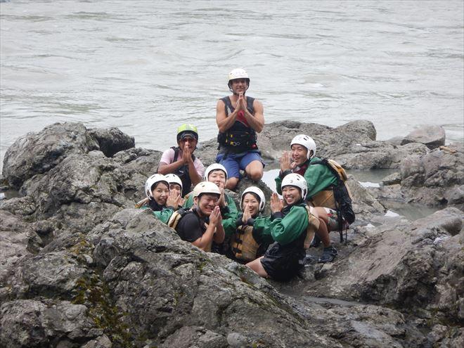 ネパール人 川ガイド