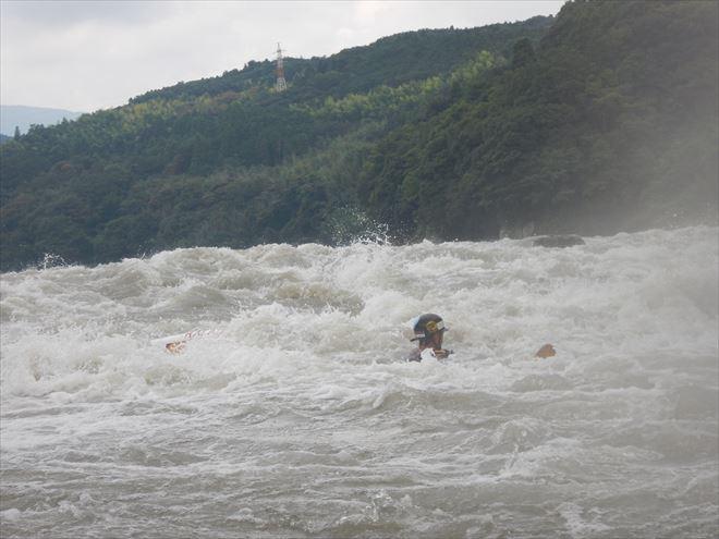 SUP川に落ちる