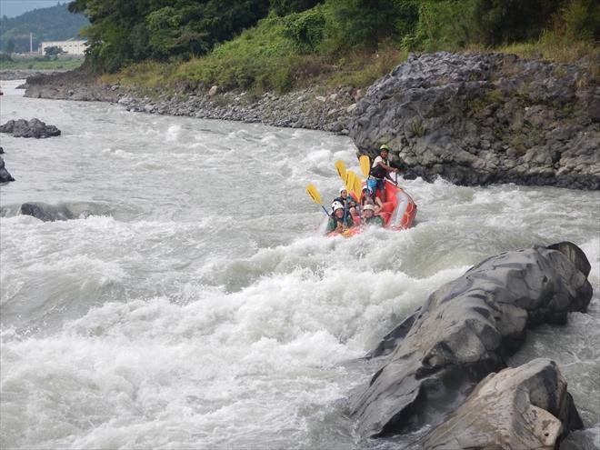 釜口の瀬 富士川で一番川幅が狭い