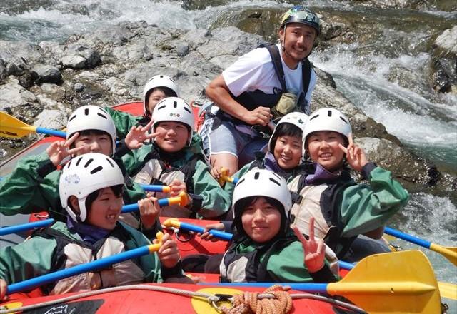 静岡県富士川で川遊び
