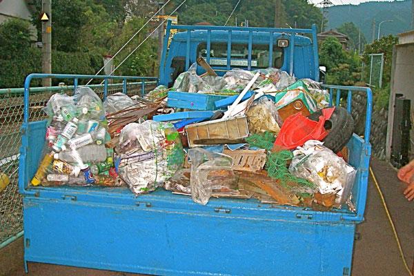 富士川クリーンリバーラフティング 収拾されたゴミ