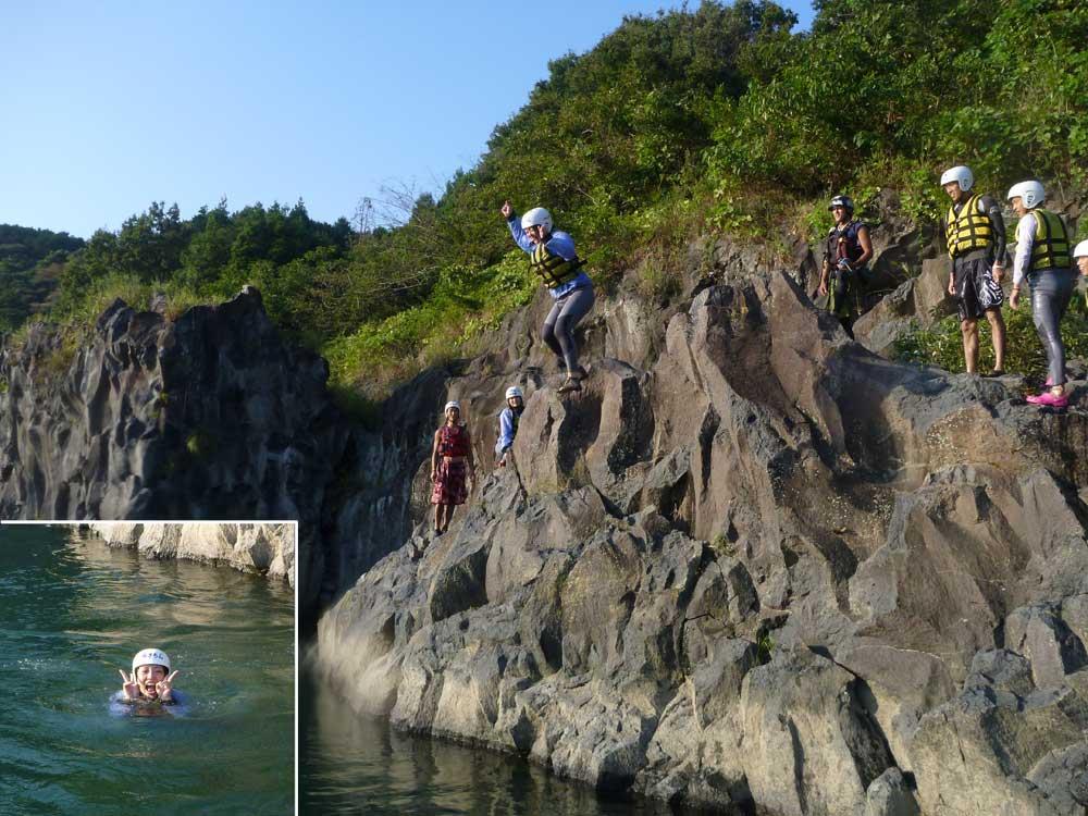 岩場からのジャンプ