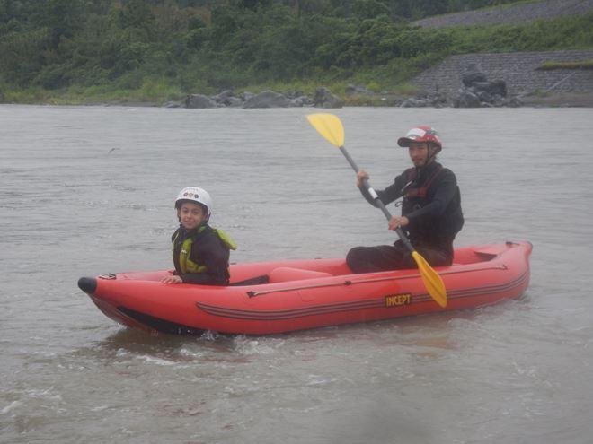 富士川 ボート 川遊び