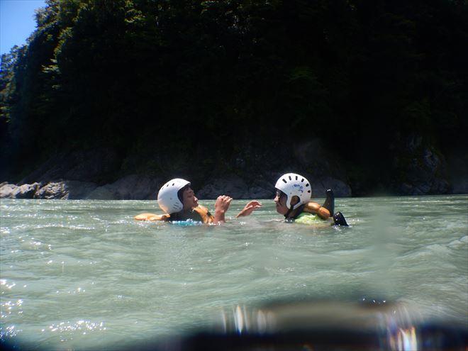 川泳ぎ 川遊び