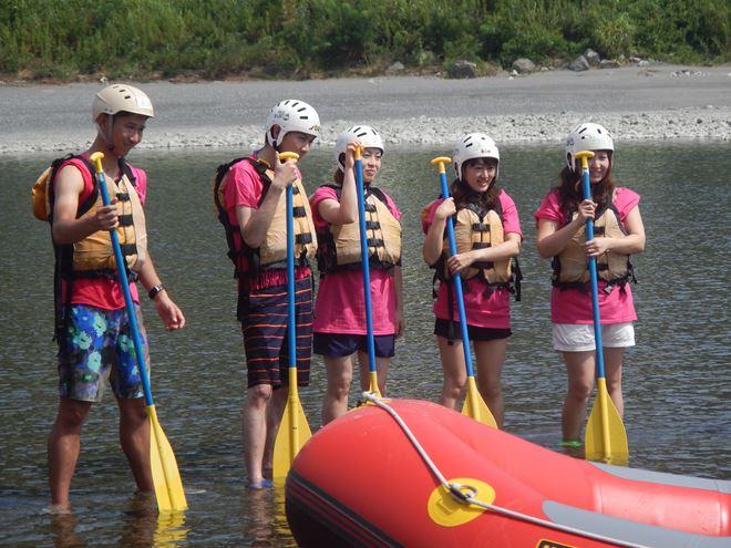 アウトドア 川遊び 夏休み