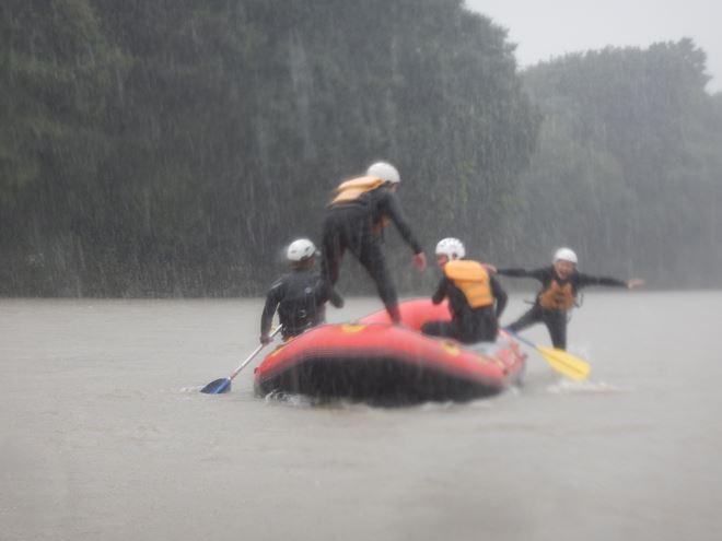 ハイウォーターラフティング 富士川
