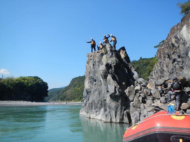 飛び込み ロックジャンプ