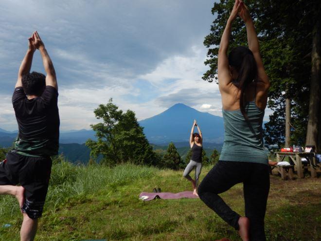ヨガ 富士山 大自然