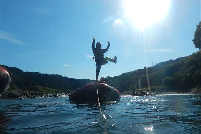 ゴムボート 静岡ラフティング 富士川ラフティング