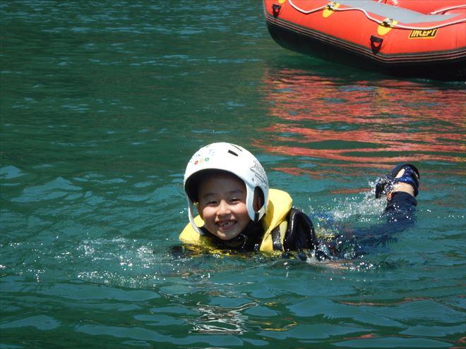 キッズラフト 川泳ぎ