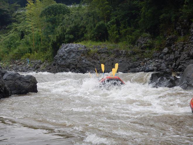 静岡釜口の瀬 富士川急流 ハイウォーター