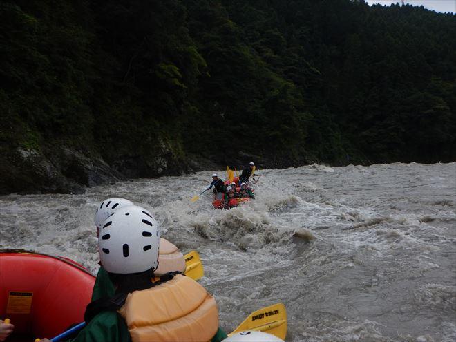 富士川 激流 ラフティング