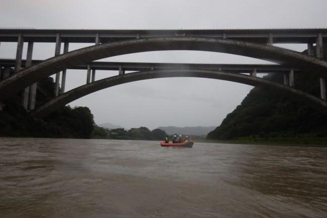 静岡 増水 ラフティング