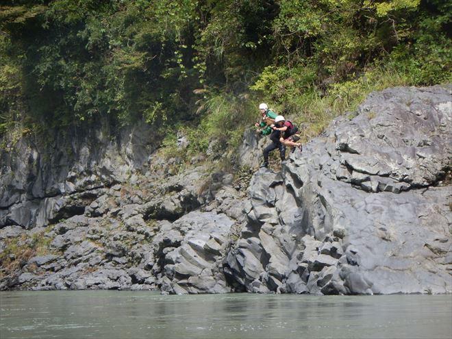 jump 飛び込み 岩 ジャンプ