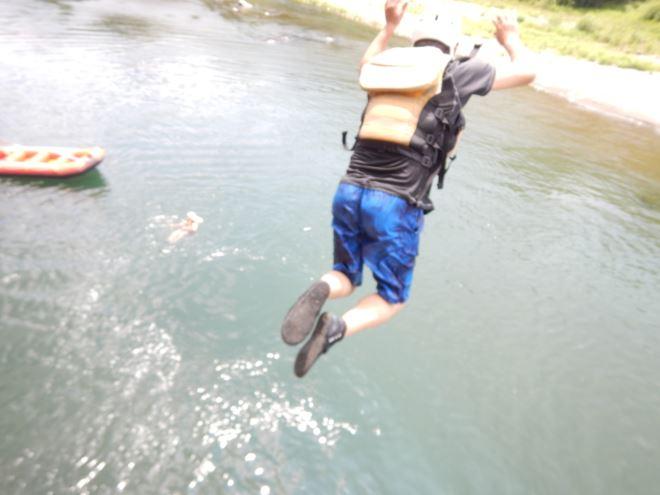 飛び込み 富士川へ飛び込み