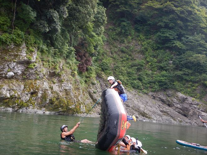川遊びおすすめ富士川 半日川遊び
