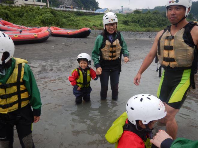 夏あそび 子どもと川遊び