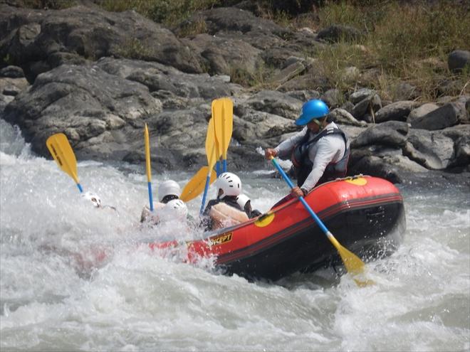 リバーサーフィン 川でサーフィン