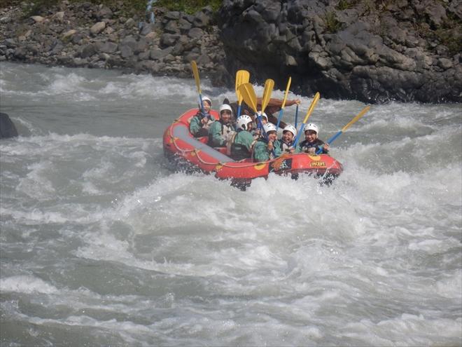 激流ラフティング 増水ラフティング富士川