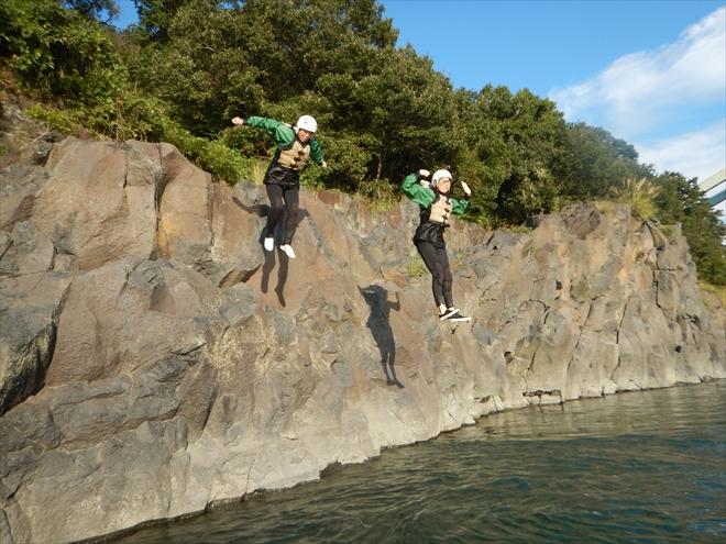 JUMP岩から飛び込み