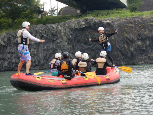 ラフティング 川遊び